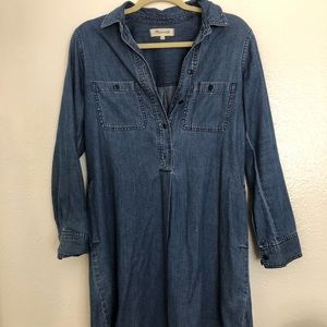 Chambray button dress with pockets